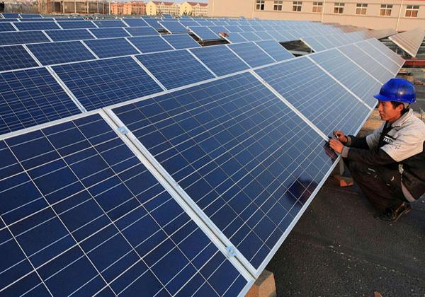 China impulsa récord de energía solar